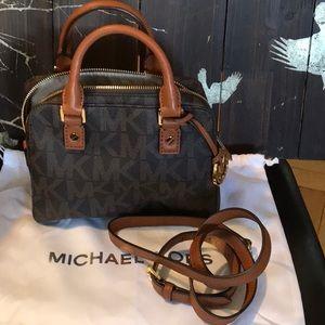 Michael kors logo mini bag